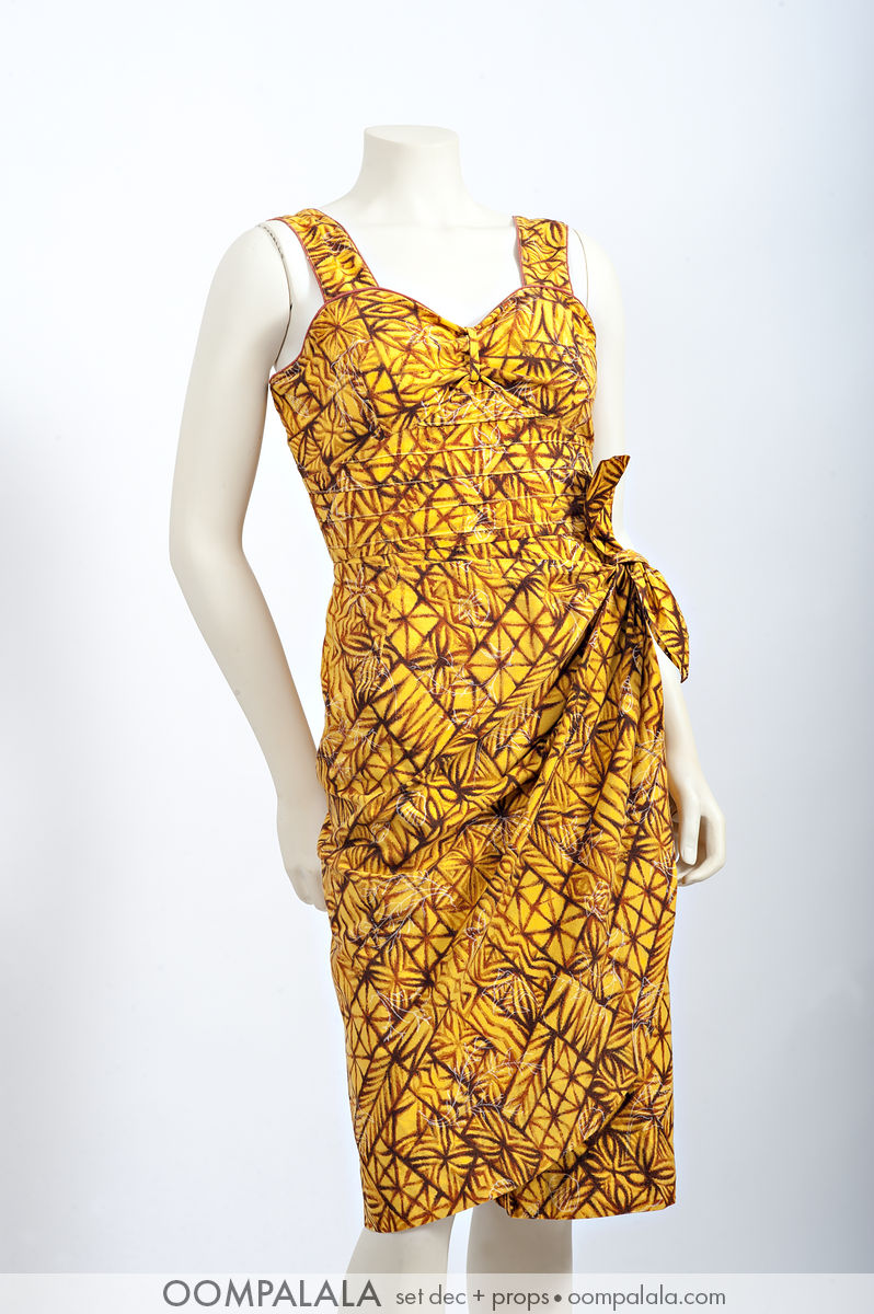 late 1950s / early 1960s Hawaiian sarong sundress